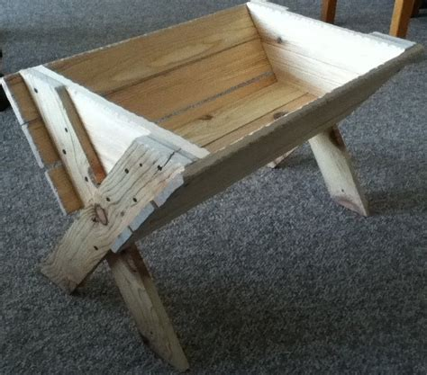 how to build an outdoor manger for a nativity rustic manger for a size nativity stuff we make churches and