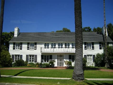turner house lana turner s house where husband was killed picture of dearly departed tours los angeles