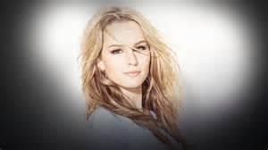 Bridgit mendler a beautiful blonde one
