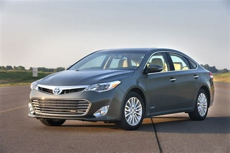 2015 Toyota Avalon Reviews 2015 Toyota Avalon Hybrid Xle Premium Review Web2carz