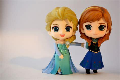 Nendroid Elsa And Frozen 475 550 Smile Company Kws dsc 0074 jpg myfigurecollection net