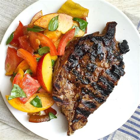 Fast Easy Dinner Chops With Tomatoes by 517 Best Images About Salads On Avocado