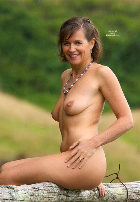 Nude Me Vanessab December 2010 Voyeur Web