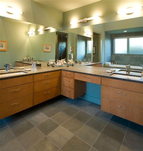 Contemporary Bathroom with Maple Veneer Cabinet Doors