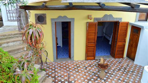 appartamenti stromboli appartamento ambra panarea appartamenti la caletta panarea