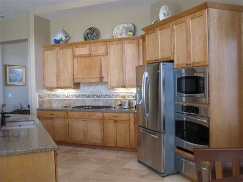 quartz countertops with maple cabinets delighful maple kitchen cabinets backsplash image of