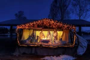Beautiful christmas nativity scenes beautiful nativity scene alaska at