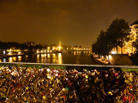 Love Lock Bridge, Paris ? WeNeedFun
