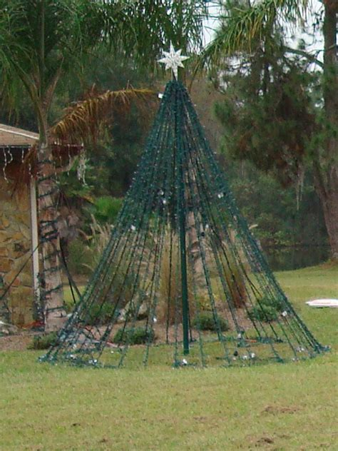 christmas tree light pole wood land o lights my light display in land o lakes fl a simple method to build a megatree