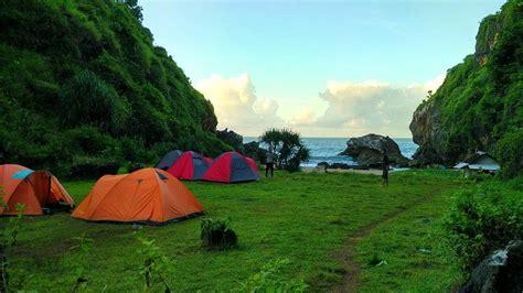 pantai wohkudu   alami  gunung kidul yogyakarta