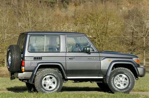 landcruiser shorty 70 series 4x4s and stuff