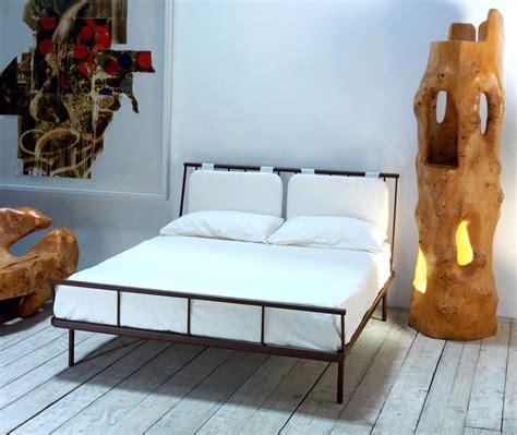 cuscino da letto letto fiordo con cuscini cosatto