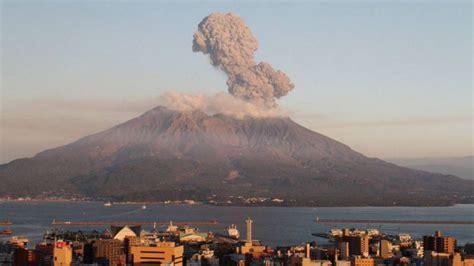 imagenes volcan japon el volc 225 n japon 233 s sakurajima entra en erupci 243 n tele 13