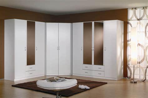 armoire d angle pour chambre armoire id 233 es de