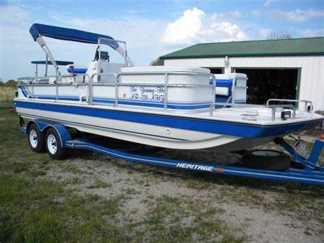 hurricane deck boat fishing seats 1994 hurricane deck boat fun deck 226 boats