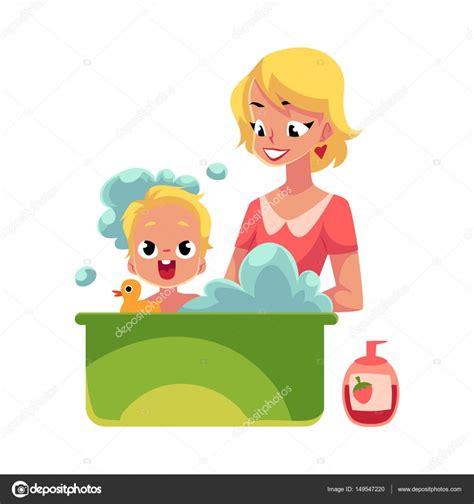 laver baignoire m 232 re laver b 233 b 233 dans la baignoire pleine de