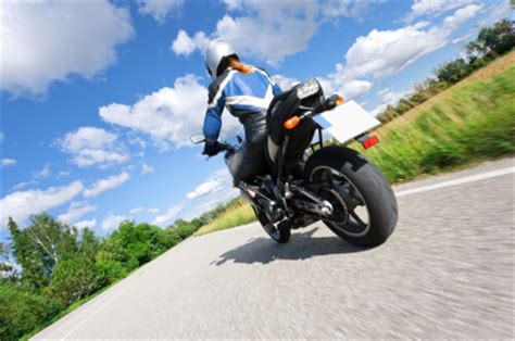 Versicherung Von Motorrad Auf Auto by Saisonkennzeichen Vorteile Bei Steuer Und Versicherung