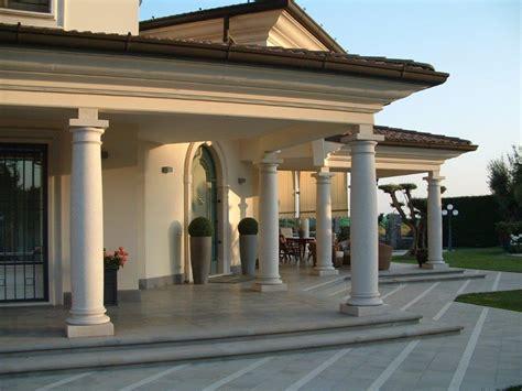 con portico portico con colonne milgem