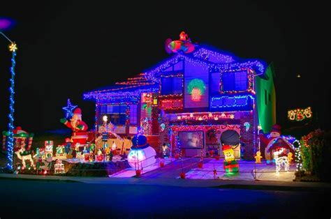 best chrsitmas lighting on east side 5 decorating tips to not damage your roof knoxville roofing roofer roofing