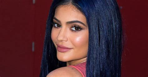 how to do kylies hair navy hair see all of kylie jenner s most colorful