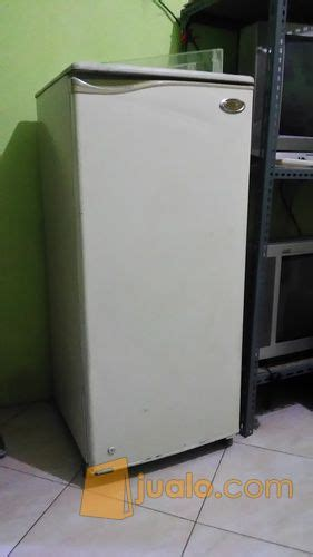 Freezer Bekas Jogja kulkas toshiba 1pintu siap pakai bandung jualo