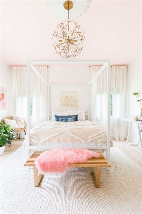 pink lights for bedroom best 25 light pink bedrooms ideas only on