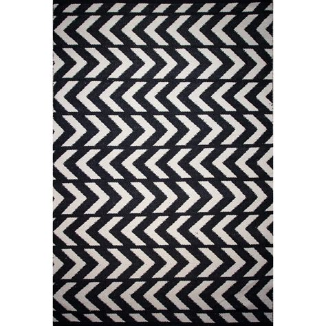 black and chevron rug black and ivory chevron rug 28 images nuloom kinder chevron ivory black area rug reviews