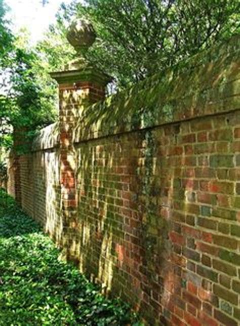 garden wall fencing 1000 images about finials for brick wall on
