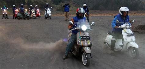 bengkel modifikasi vespa di medan kutu vespa touring 1 100 km lahap aspal mulus hingga