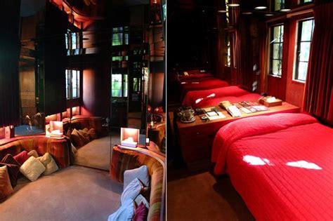 playboy mansion bedrooms decoraci 243 n de la mansi 243 n playboy