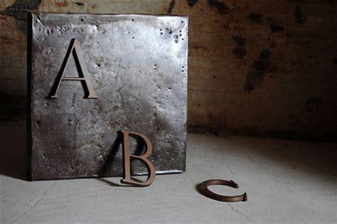 lettere di metallo sestini e corti arredamento e design toscana