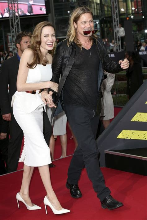 claire forlani y esposo jennifer aniston wants brad pitt back refuses to marry