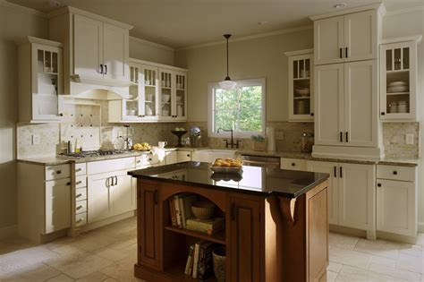 painted shaker kitchen cabinets shaker painted cabinets kitchen update ideas