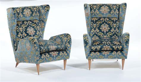 divani con struttura in legno divano e coppia di poltrone con struttura in legno e