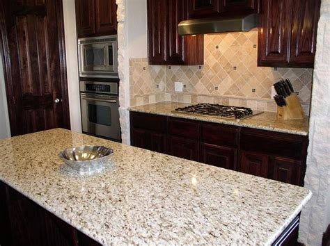 light granite kitchen countertops best 25 giallo ornamental granite ideas on pinterest