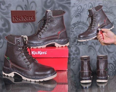 Sepatu Murah Pra Kickers Boots Safety Kulit Asli Hitam jual sepatu kickers boots safety kulit asli di lapak pasar sepatu murah belanjasepatumurah