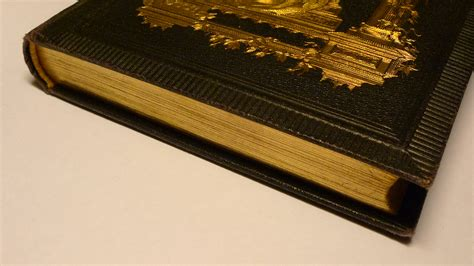 edge of books file book with gilded page edges jpg wikimedia commons