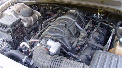 how does a cars engine work 2006 chrysler crossfire roadster auto manual 2006 chrysler 300c 5 7l hemi engine running and revved up youtube