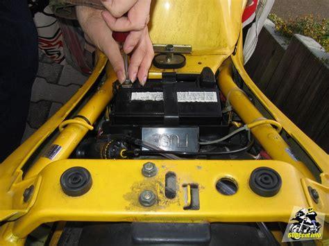 Motorrad Batterie Abklemmen Welcher Pol Zuerst motorrad batterie ausbauen welcher pol zuerst