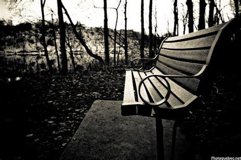 assis sur un banc part 1 des 2bgirl