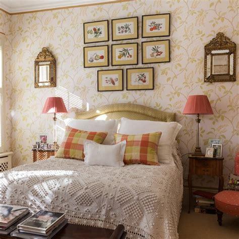 gold bedroom ideas bedroom wallpaper ideas master bedroom brown and gold bedroom with printed wallpaper bedroom decorating