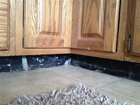 how to install toe kick boards for kitchen cabinets ehow kitchen toe kick doityourself com community forums