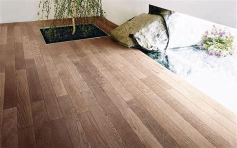 pavimento in legno prefinito parquet massello o parquet prefinito pavimenti in parquet