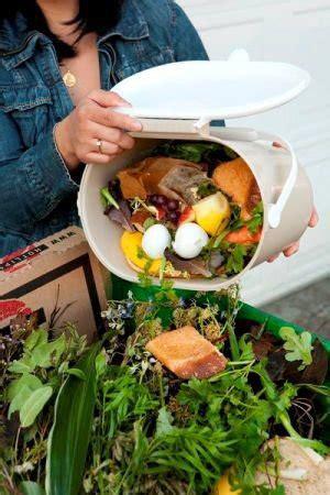 Kitchen Counter Composting Flea Market Gardening Vegetable Scraps In Garden