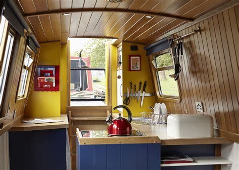 Bathroom Towels Design Ideas Hire Narrowboat Queenie England Uk Holidays Star