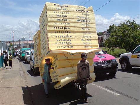 matratze transportieren bett madagaskar