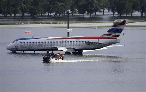 nervous  airline hubs  fly  cities race