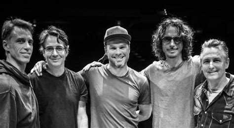 chris cornell temple of the temple of the debuts chris cornell original in second show back