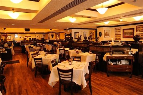 dining room restaurant restaurant main dining room interior design of ben benson steak house new york 171 united states