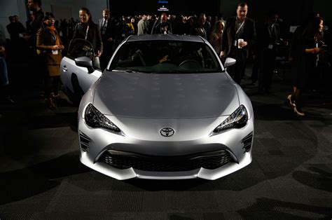The Toyota 86 2017 Toyota 86 Revealed For New York The Scion Fr S Gets